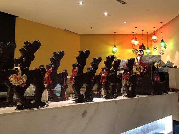 ハードロックホテルバリャルタのディナーレストラン_ブラジル料理 IPANEMA_サンタのモニュメント
