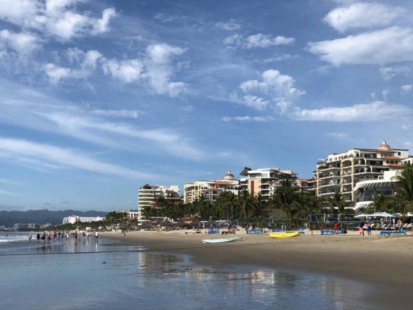 ハードロックホテルバリャルタ_太平洋ビーチ