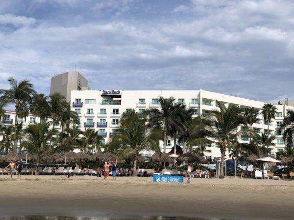 ハードロックホテルバリャルタを海から見た写真