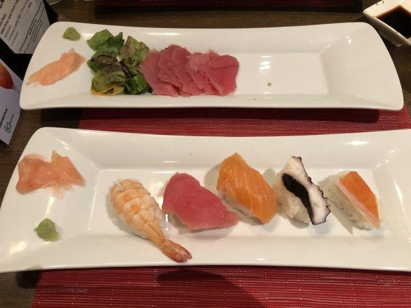 ハードロックホテルバリャルタのディナーレストラン_日本・アジア料理 ZEN_マグロのお刺身と握り5カン