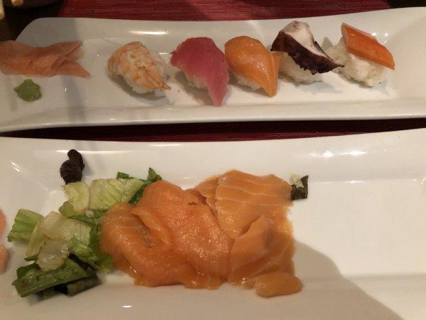 ハードロックホテルバリャルタのディナーレストラン_日本・アジア料理 ZEN_サーモンのお刺身