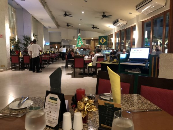 ハードロックホテルバリャルタのディナーレストラン_ブラジル料理 IPANEMA_店内写真