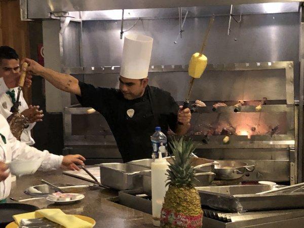 ハードロックホテルバリャルタのディナーレストラン_ブラジル料理 IPANEMA_シュラスコ焼き場