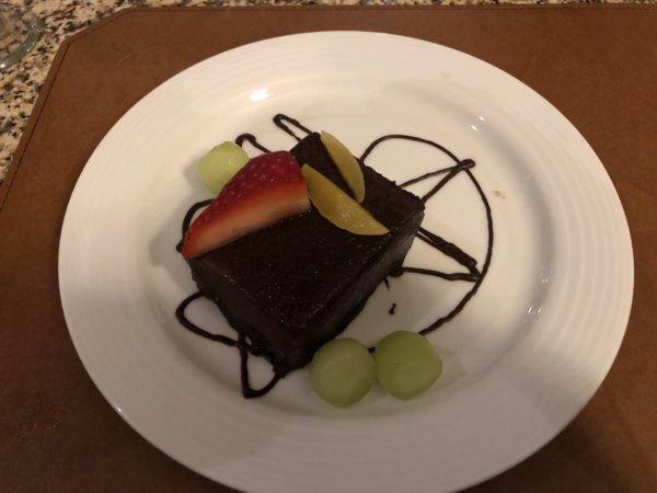 ハードロックホテルバリャルタのディナーレストラン_ブラジル料理 IPANEMA_シェフ特製デザートチョコレートケーキ