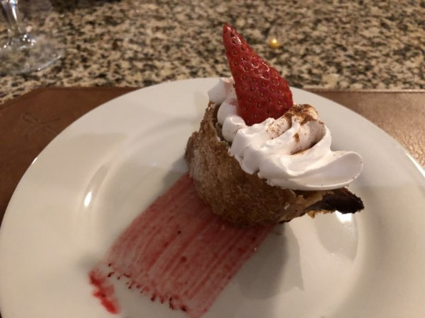ハードロックホテルバリャルタのディナーレストラン_ブラジル料理 IPANEMA_シェフ特製デザートいちごタルト