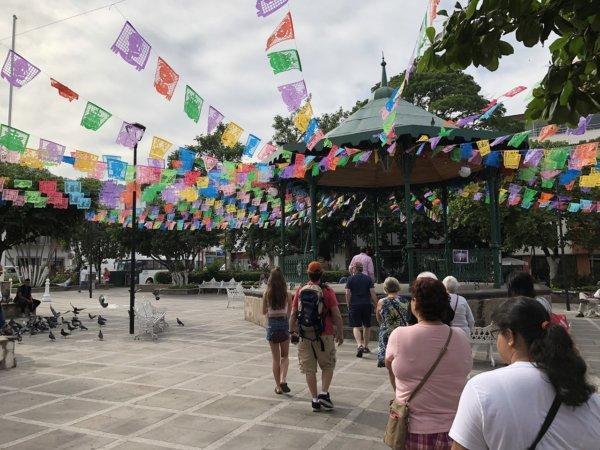 メキシコ・プエルトバジャルタ市内観光ツアースポット_メイン広場