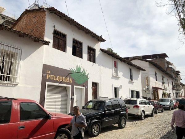 メキシコ・プエルトバジャルタ_観光メイン街の路地