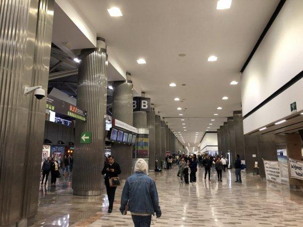 メキシコシティ国際空港_通路
