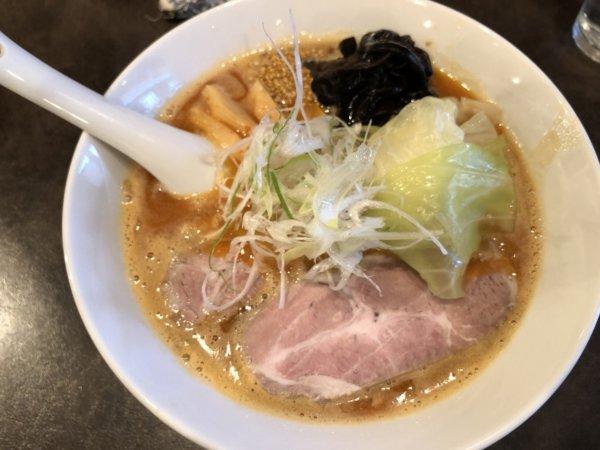 千歳にある人気ラーメン店『麺や麗(めんやれい)』_しょうゆラーメン