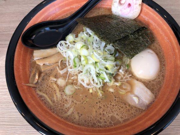 新札幌でラーメンが美味しい店|麺や虎鉄(めんやこてつ)厚別店_特醤油らーめん