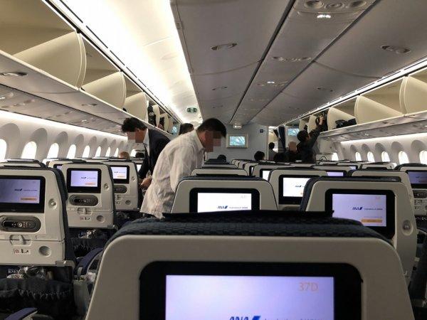 ANA羽田空港発のバンコク・スワンナプーム空港便_B787_機内の様子