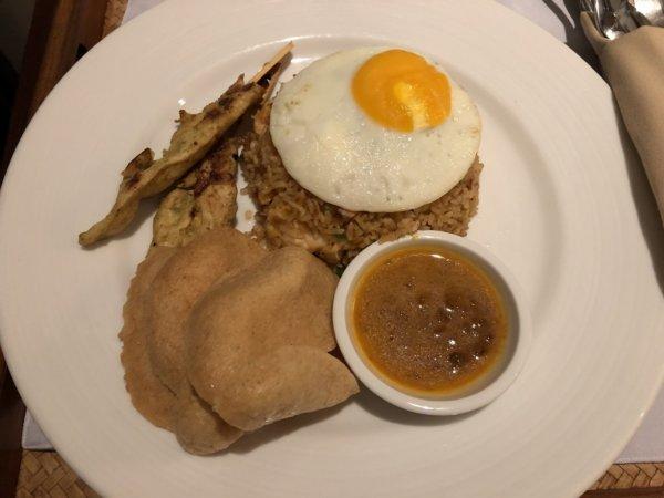インターコンチパタヤのルームサービス料理_インドネシアのナシゴレン
