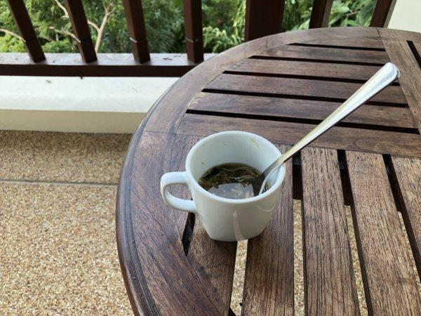 インターコンチネンタルパタヤリゾートのベランダで朝食
