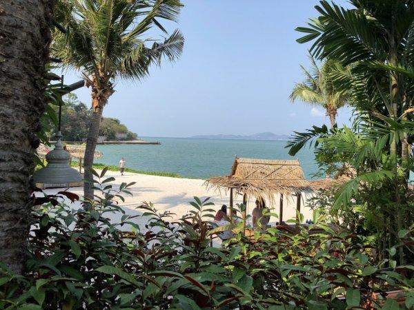 インターコンチネンタルパタヤリゾート_プライベートビーチ風景1