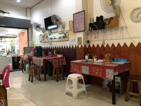 パタヤの食堂ヌアン_店内の様子