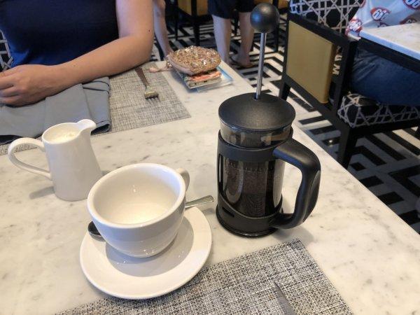 インターコンチネンタルパタヤリゾートの朝食_コーヒーサービス