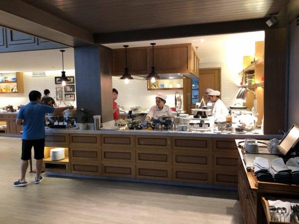 インターコンチネンタルパタヤリゾートの朝食_会場のお料理1