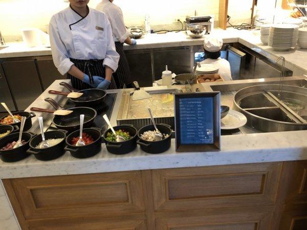 インターコンチネンタルパタヤリゾートの朝食_会場のお料理3