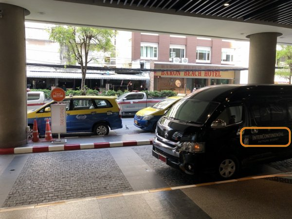 インターコンチネンタルパタヤリゾート_無料シャトルバス_セントラルフェスティバルパタヤ停留所