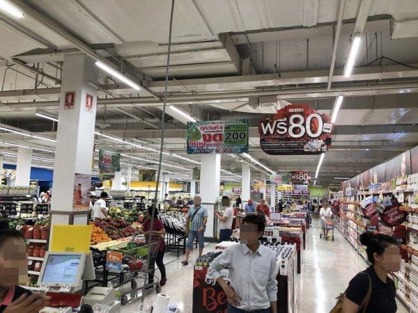 パタヤのスーパーマーケットビッグC_店内の様子1