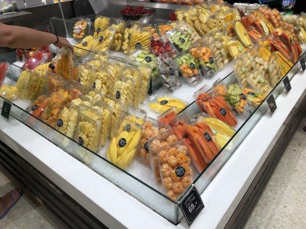 パタヤのショッピングモールセントラルフェスティバルパタヤ_スーパーマーケット_カットフルーツ