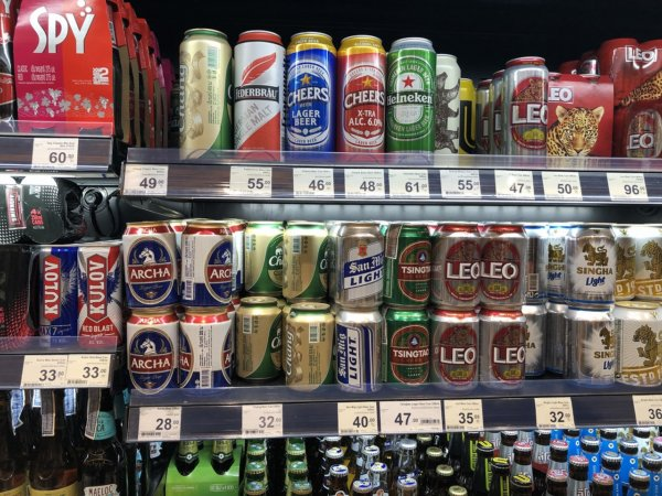 パタヤのショッピングモールセントラルフェスティバルパタヤ_スーパーマーケット_ビール