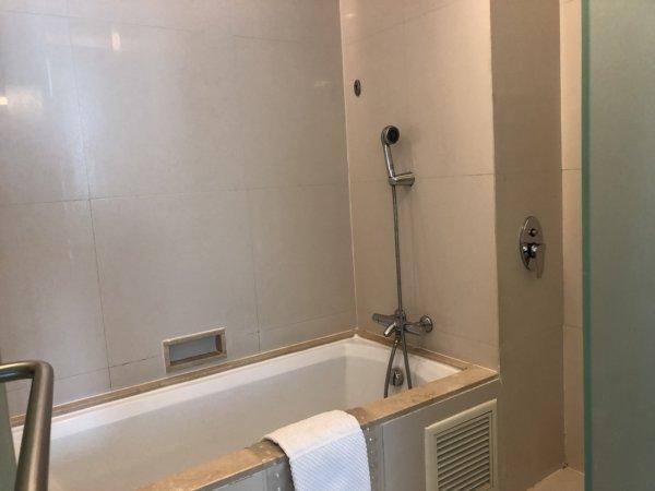 バンコクのホテル 安くて綺麗、日本語OKのジャスミンリゾートホテル_客室_バスルーム