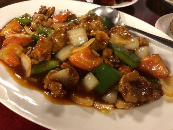 バンコクで贅沢な北京ダックをお安く味わえるグレートシャンハイ大上海飯店_イザ実食!_酢豚味ダック肉