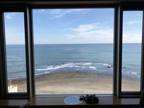 海の別邸ふる川の過ごし方②_客室「オーシャンフロント和室8畳」_窓から見える風景2