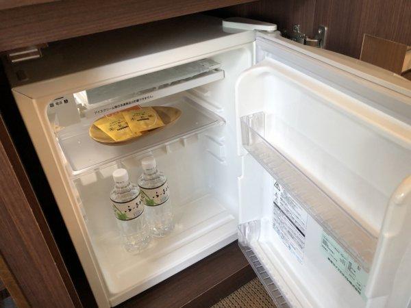海の別邸ふる川の過ごし方②_客室「オーシャンフロント和室8畳」_冷蔵庫