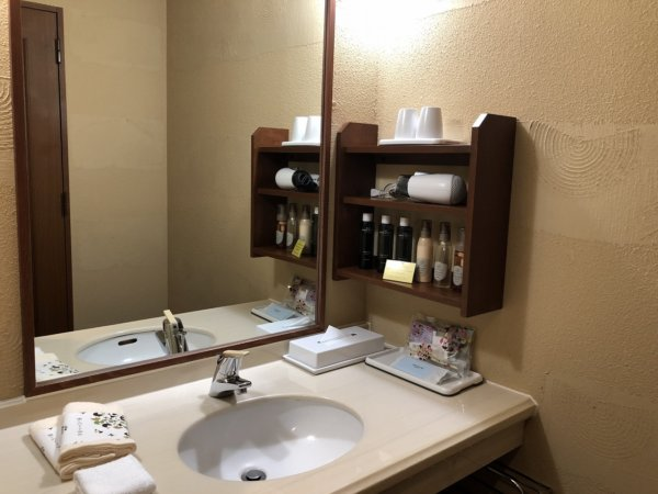 海の別邸ふる川の過ごし方②_客室「オーシャンフロント和室8畳」_洗面コーナー