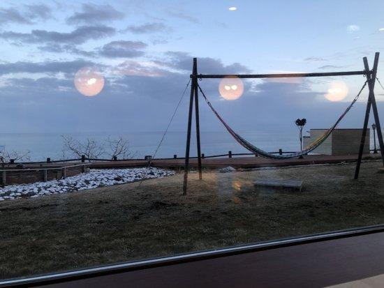 海の別邸ふる川の食事処海の詩_夕食時の外の景色