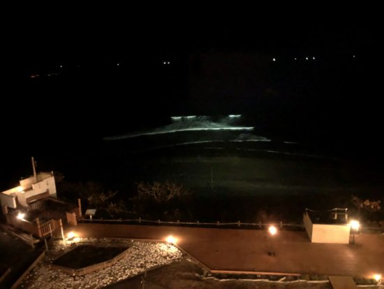 海の別邸ふる川夕食後のお部屋_夜の海