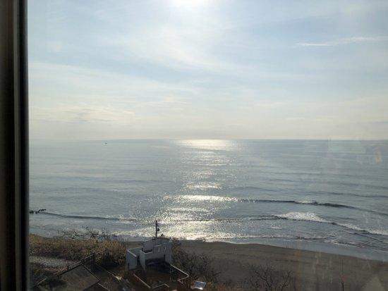 海の別邸ふる川_朝食会場海の詩_朝食時の外の景色