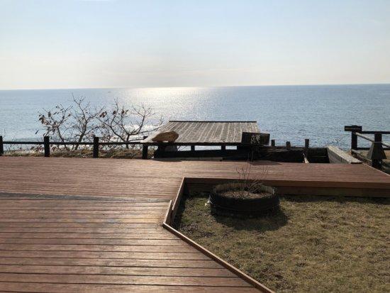 海の別邸ふる川_ロビーラウンジ外のお庭1
