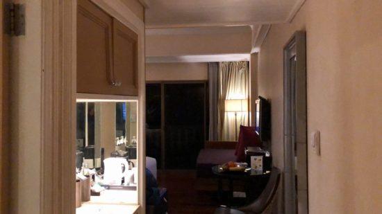 デュシタニホアヒン_7階クラブルーム749号室_入り口からの客室眺め