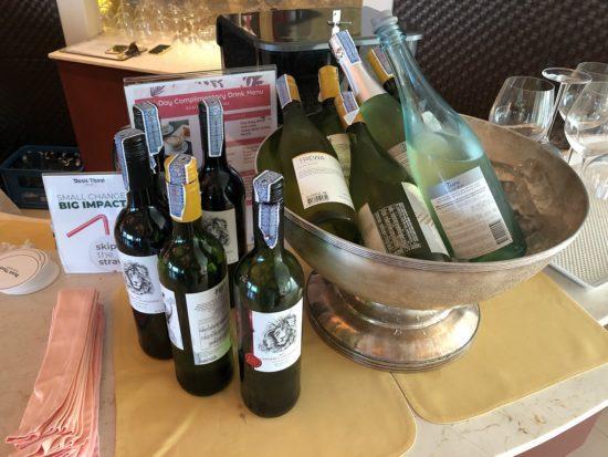 デュシタニホアヒン_デュシットクラブラウンジ_飲み放題ワインとスパークリングワイン